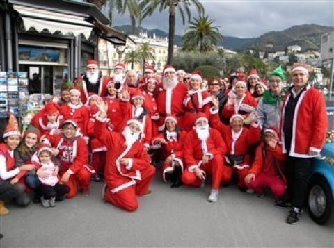 V Marcia dei Babbi Natale 2016 a Rapallo